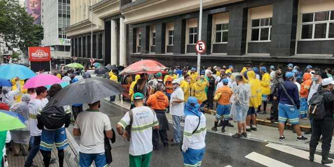 Brasile – Fermiamo la repressione e la persecuzione contro i lavoratori di Comcap in sciopero!