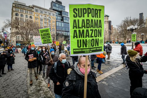 """Amazon (Usa) – Intervista con Chris Smalls: """"Il movimento operaio si sta risvegliando"""""""